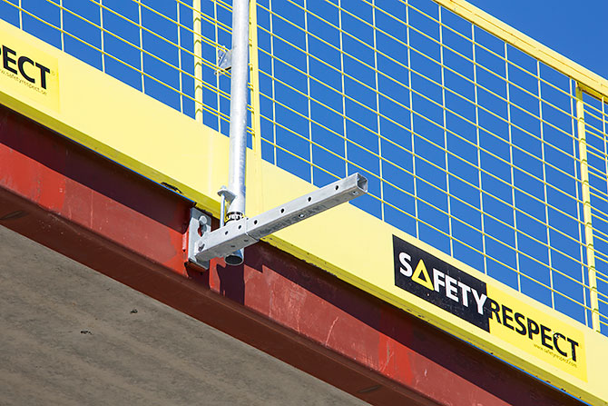 flex_facade_bracket_safetyrespect_9755