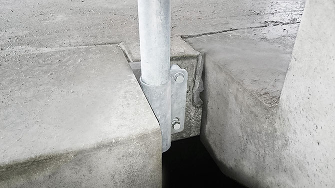stair_bracket_safetyrespect_0052x